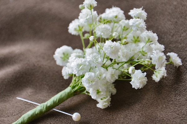 Babys Breath Wedding Trend Winter White Flowers How to Wire