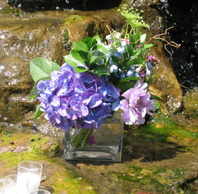 Flower Arranging Ideas Spring Flowers Purple and Blue Flowers